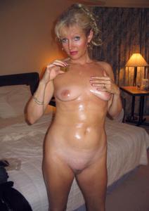 Подборка голых взрослых блондинок - фото #6