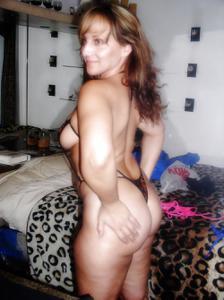 Подборка секси милф - фото #39
