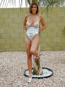 Подборка секси милф - фото #43