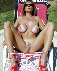 Подборка секси милф - фото #44