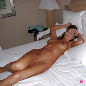 Подборка секси милф - фото #56