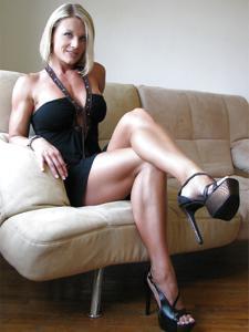 Подборка секси милф - фото #9