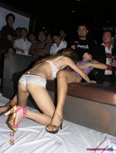 Секс вечеринка в тайском клубе - фото #7