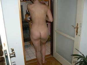 Дама ублажает мужа как может - фото #3
