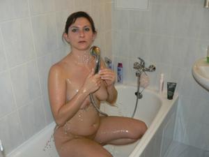 Дама ублажает мужа как может - фото #4