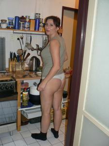 Дама ублажает мужа как может - фото #7