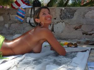 Она не была особенно откровенно в отпуске - фото #4