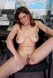 Зоя заскучала на работе - фото #4