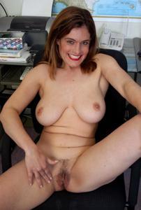 Зоя заскучала на работе - фото #5