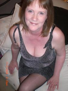 Зрелая женщина в нижнем белье и без белья - фото #1