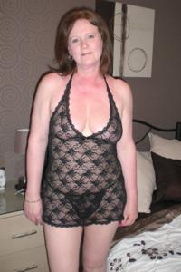 Зрелая женщина в нижнем белье и без белья - фото #103