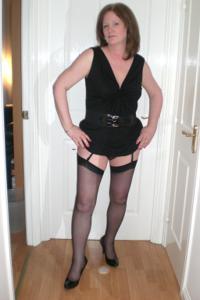 Зрелая женщина в нижнем белье и без белья - фото #11