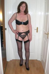 Зрелая женщина в нижнем белье и без белья - фото #12