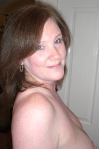 Зрелая женщина в нижнем белье и без белья - фото #30