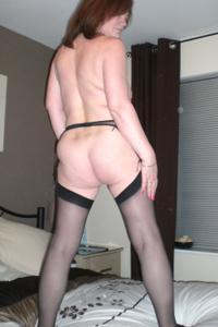 Зрелая женщина в нижнем белье и без белья - фото #36