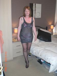Зрелая женщина в нижнем белье и без белья - фото #40
