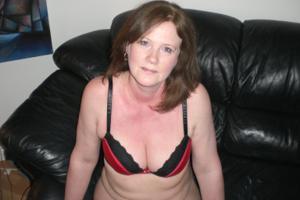 Зрелая женщина в нижнем белье и без белья - фото #46
