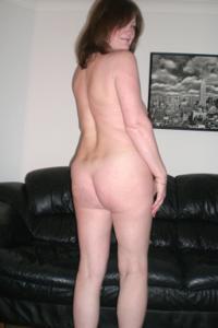 Зрелая женщина в нижнем белье и без белья - фото #48