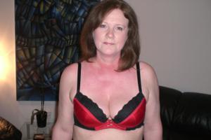 Зрелая женщина в нижнем белье и без белья - фото #64
