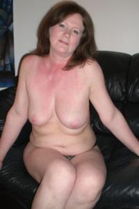 Зрелая женщина в нижнем белье и без белья - фото #67