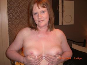 Зрелая женщина в нижнем белье и без белья - фото #68
