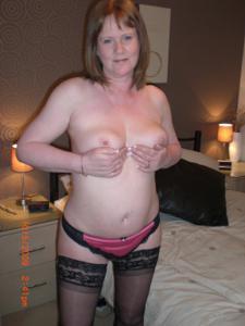 Зрелая женщина в нижнем белье и без белья - фото #73