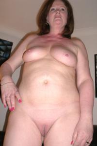 Зрелая женщина в нижнем белье и без белья - фото #97