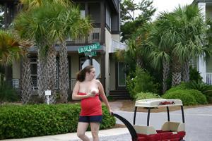 Беременная баба страстно сосет член мужа на курорте - фото #17