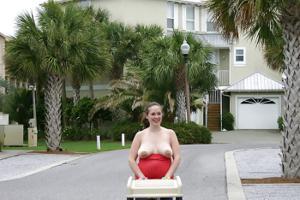 Беременная баба страстно сосет член мужа на курорте - фото #19