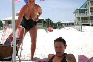 Беременная баба страстно сосет член мужа на курорте - фото #22