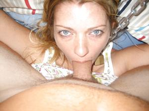Стройная женушка берет в рот у мужа на домашнюю фотокамеру - фото #4