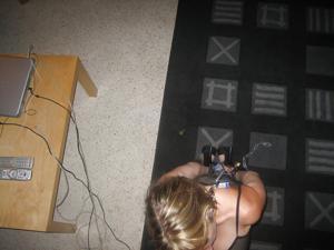 Стройная женушка берет в рот у мужа на домашнюю фотокамеру - фото #43