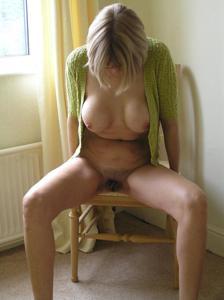 Классные гениталии блондинки - фото #1