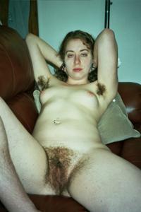 Молодая небритая баба - фото #16