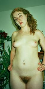 Молодая небритая баба - фото #2