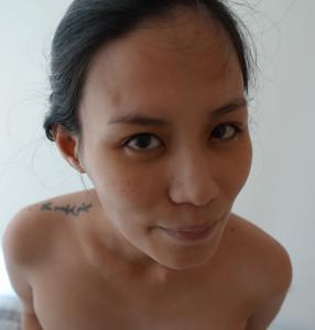 Азиатка с черными сосками - фото #18