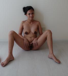 Азиатка с черными сосками - фото #28