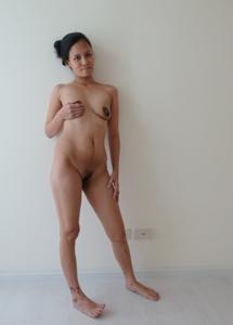 Азиатка с черными сосками - фото #6