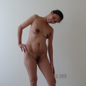 Азиатка с черными сосками - фото #8