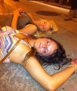 Очень пьяные телки - фото #14