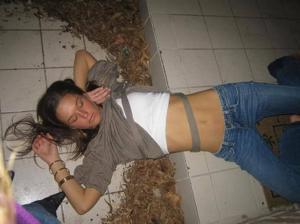Очень пьяные телки - фото #8