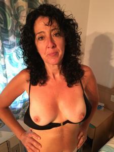 Жена голая в нашей спальне - фото #1