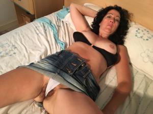 Жена голая в нашей спальне - фото #2
