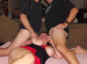 Многим бабам нравится, когда мужиков двое - фото #6