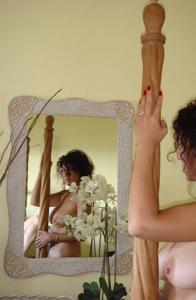 Интимные фоточки зрелой женщины с моря - фото #10