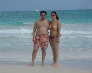 Интимные фоточки зрелой женщины с моря - фото #26