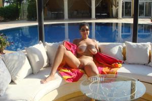 Интимные фоточки зрелой женщины с моря - фото #49
