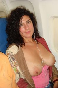 Интимные фоточки зрелой женщины с моря - фото #5