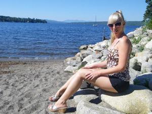 Возбуждающая блондинка с прелестной грудью - фото #56