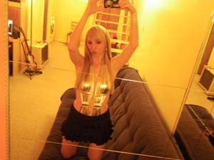 Возбуждающая блондинка с прелестной грудью - фото #63